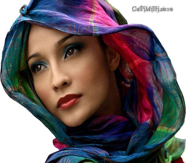 femme au multi couleur