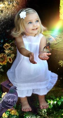 Jolie petite fille blonde